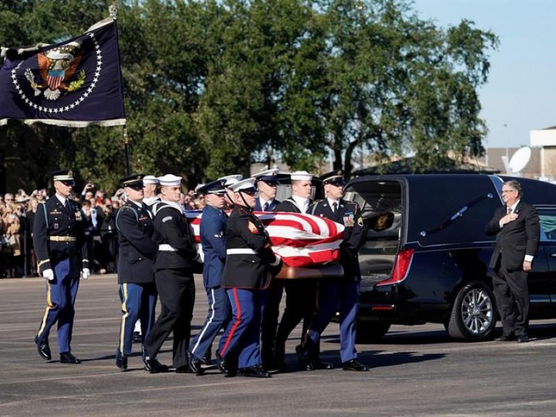 Trasladan restos de George H.W. Bush