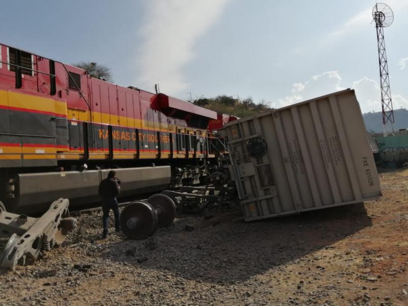 Tremendo choque de trenes en El Marqués