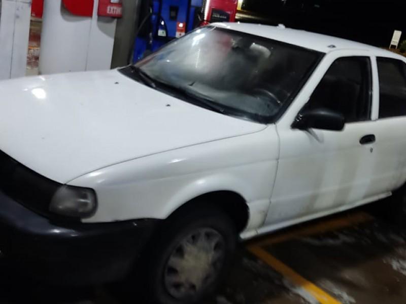 Tres  asegurados a bordo de vehículo robado minutos antes