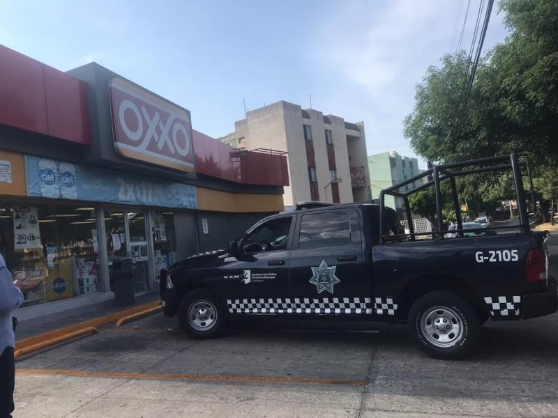 Tres detenidos por robo a negocio en Guadajara