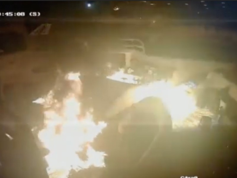 Tres hombres provocaron un incendio en el Baby'O