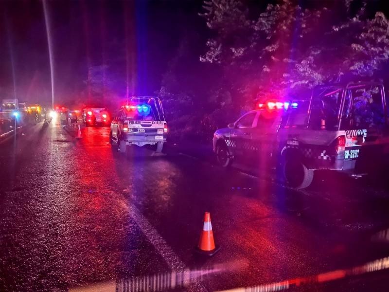 Tres migrantes muertos y 23 heridos en accidente carretero