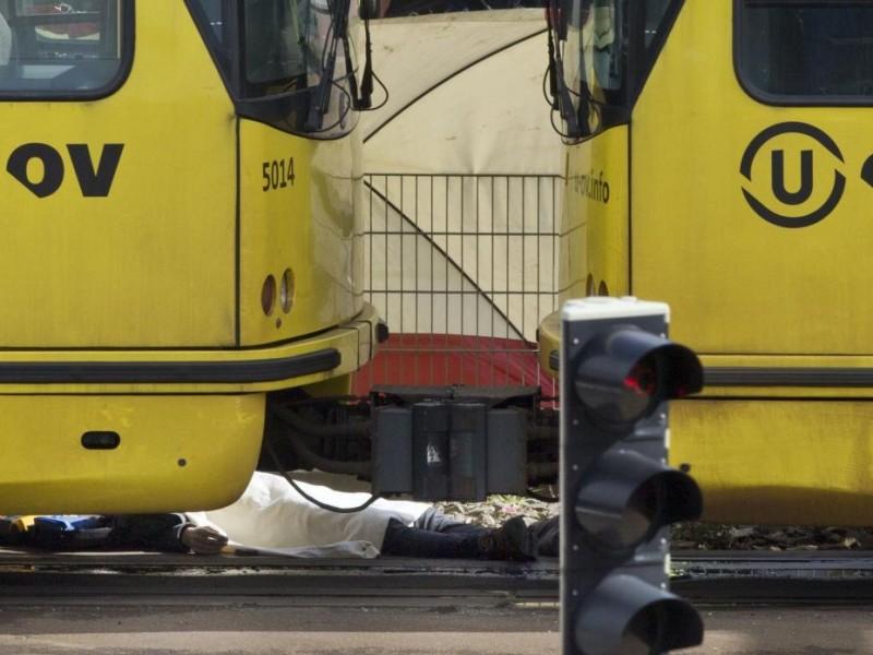 Tres muertos por tiroteo en tranvía de Holanda