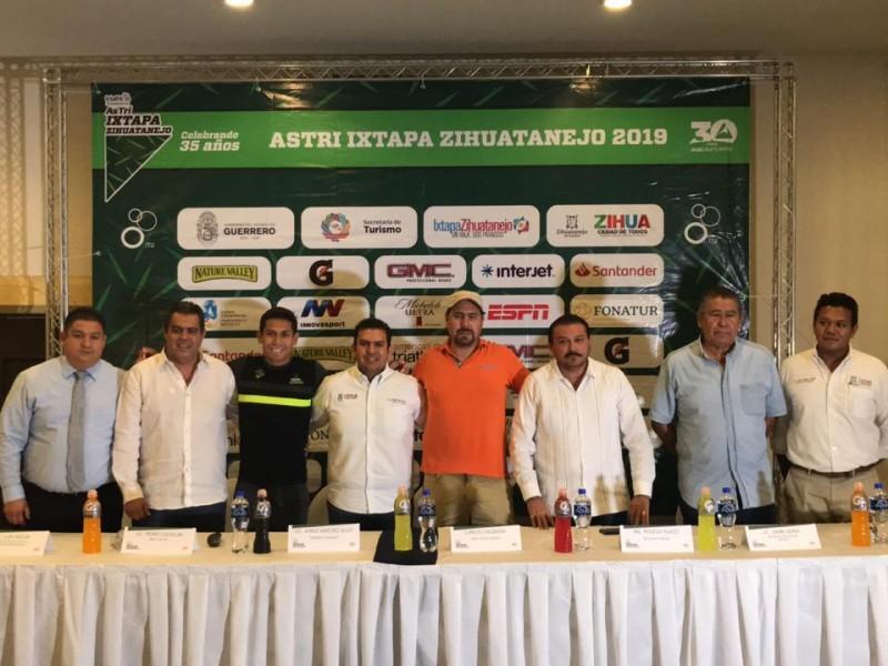 Triatlón Ixtapa-Zihuatanejo, el más longevo de México