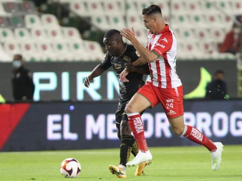 Triunfa Club León en el regreso de aficionados