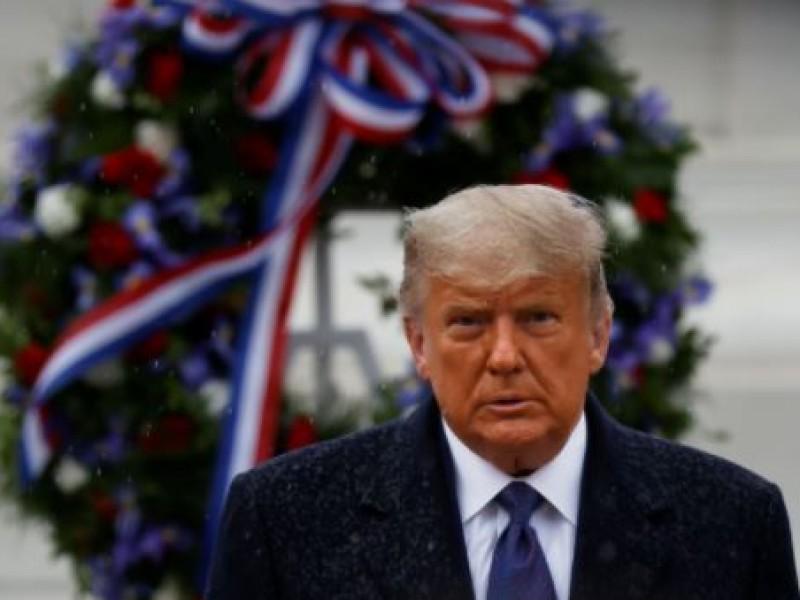 Trump encabeza celebración del Día de los Veteranos