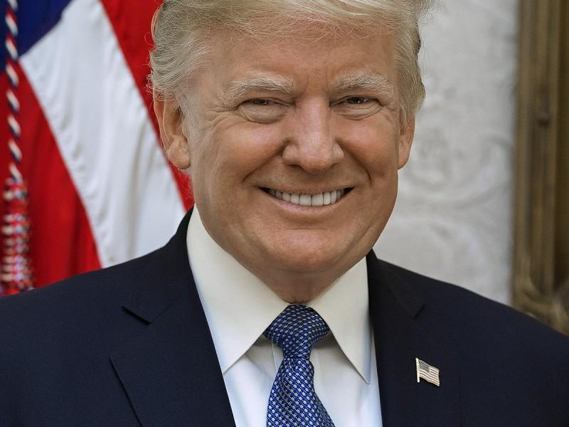 Trump felicita a AMLO por asumir la Presidencia