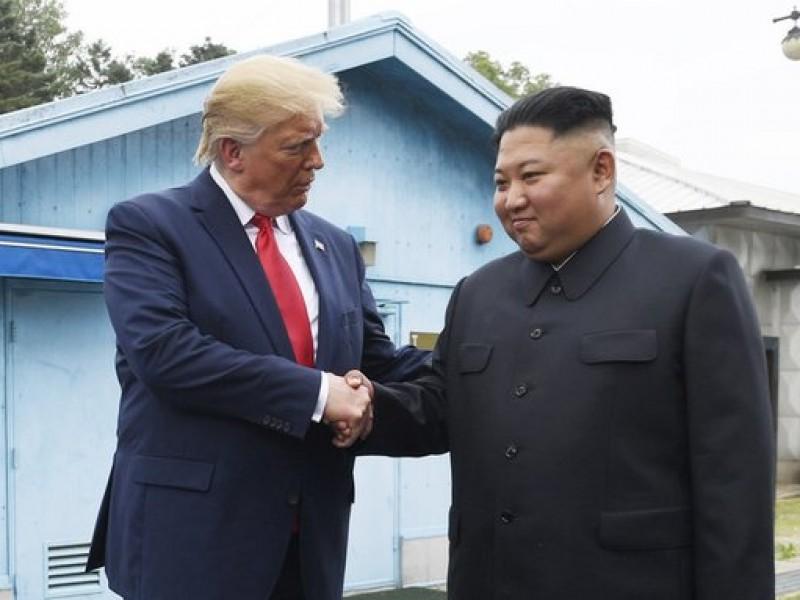 Trump hace visita histórica a Corea