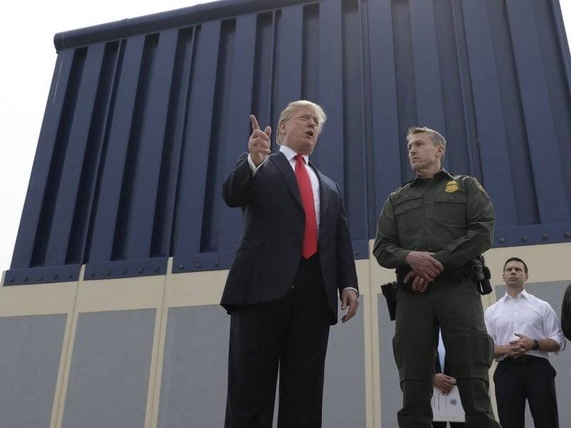 Trump intensificará presión para que construyan muro fronterizo