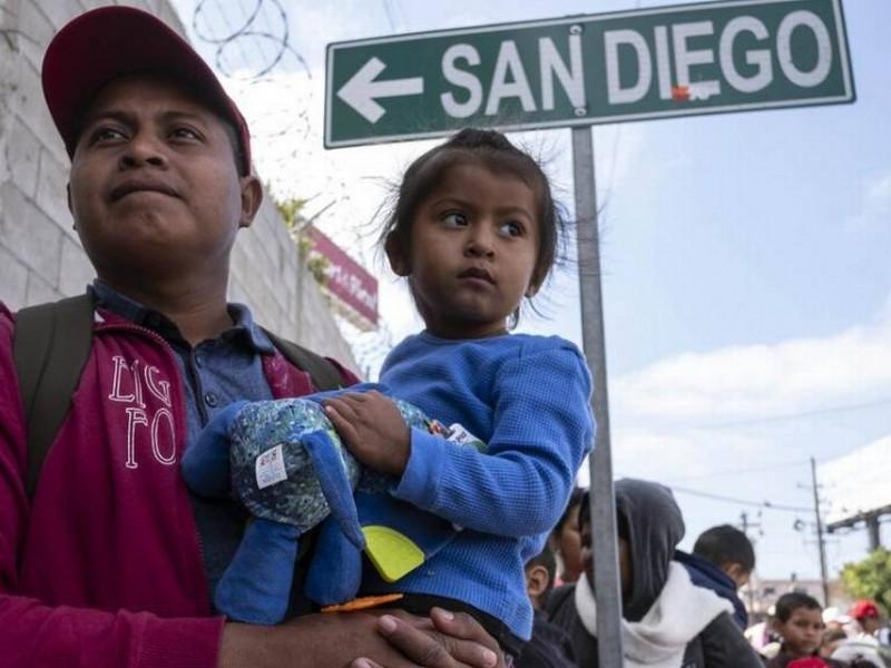 Trump planea albergar a niños inmigrantes en carpas