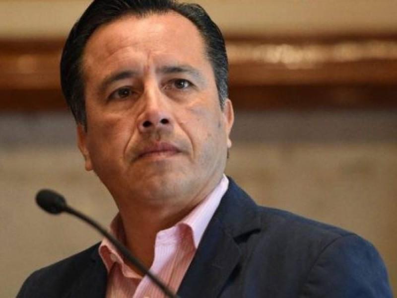Tunden en redes a Cuitláhuac García por respuesta ante Covid-19