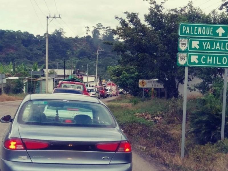 Turistas afectados por bloqueos en Chiapas