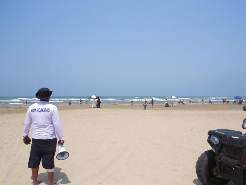 Turistas no acatan recomendaciones para zona de playa