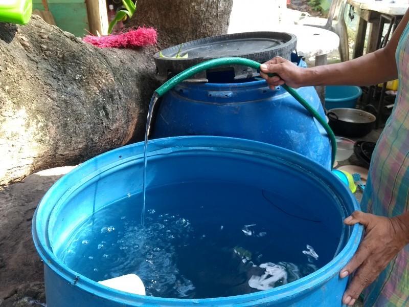 Tuxpeños se preparan ante suspensión del servicio de agua potable