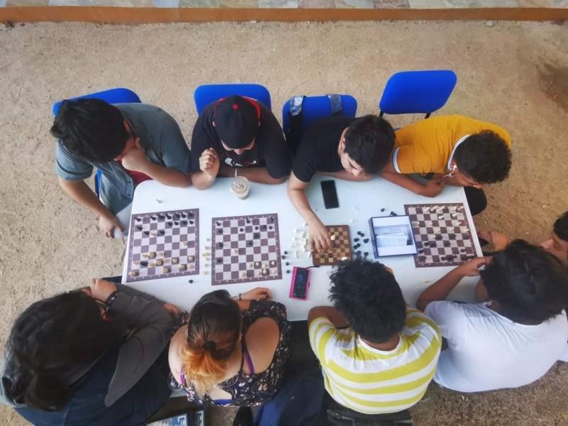 UABCS invita a ajedrecistas a participar en torneo en línea
