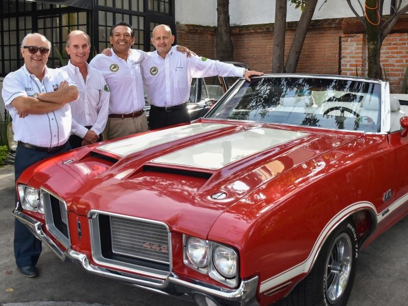 UDLAP, vitrina más grande de autos antiguos