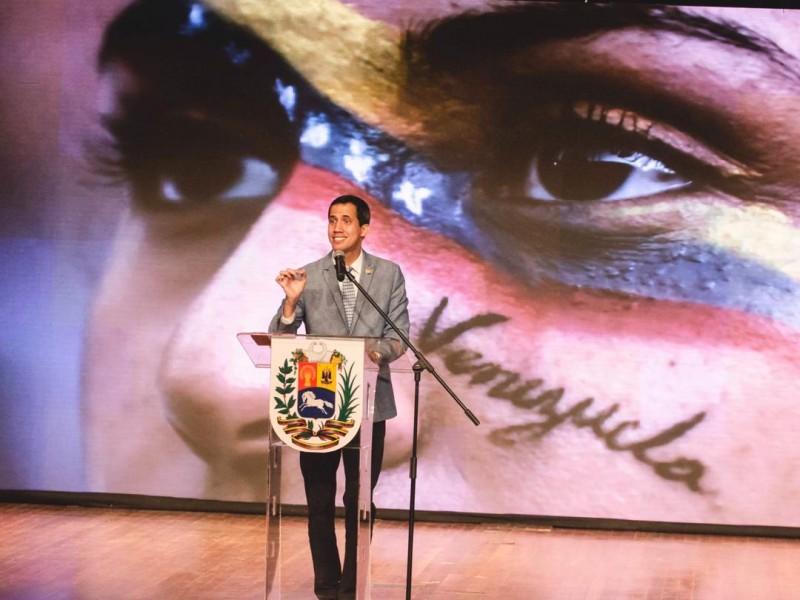 UE debe reconocer a Guaidó como presidente: Pence