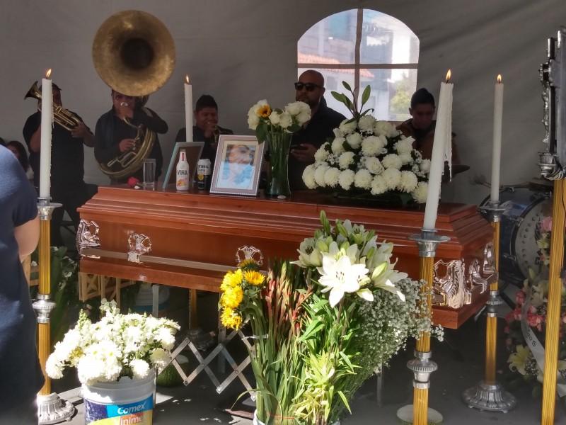 Último adiós a Cinthia al encontrarla sin vida