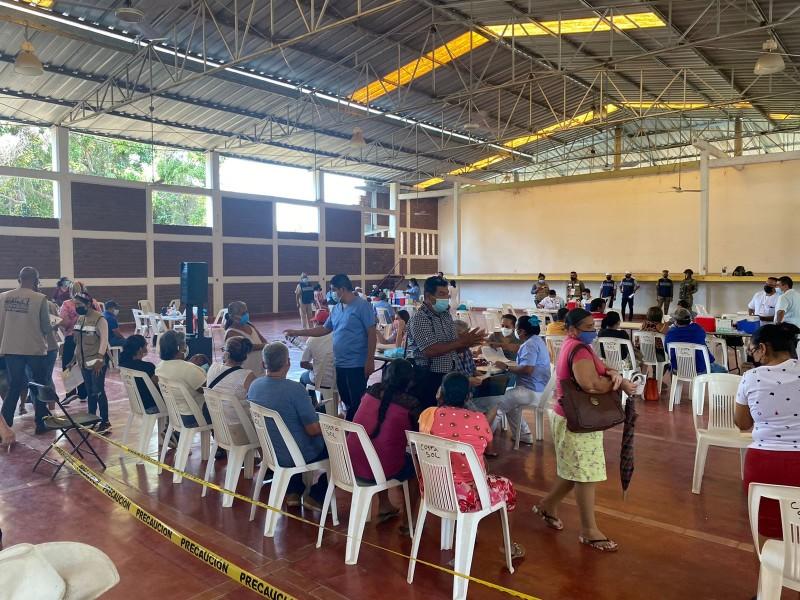 Último día de vacunación anticovid en Petatlán; atendieron a rezagados
