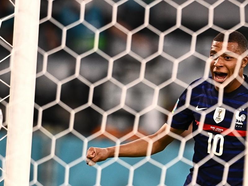 Un autogol definió el triunfo de Francia sobre Alemania