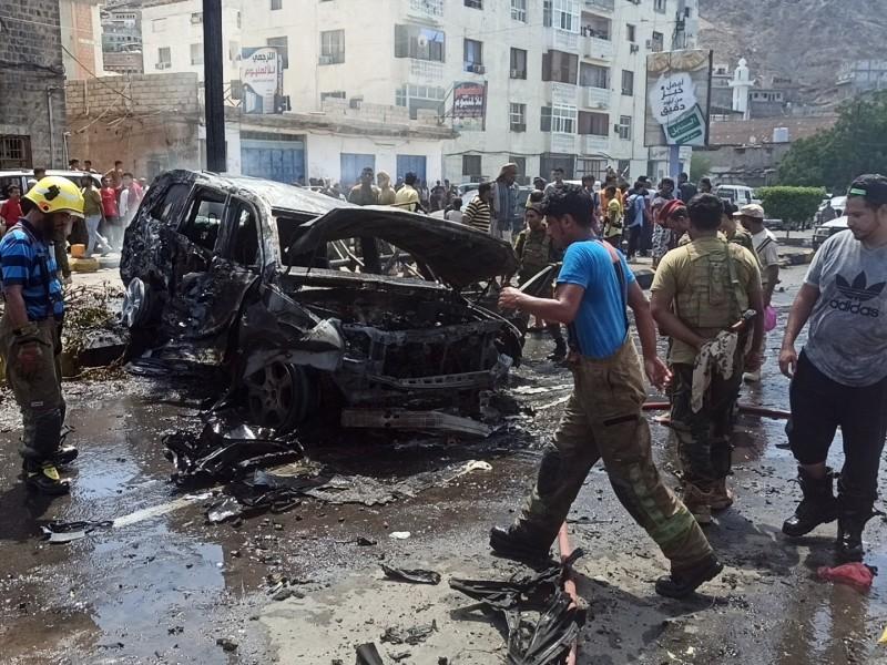 Un coche bomba mata a seis personas en Adén