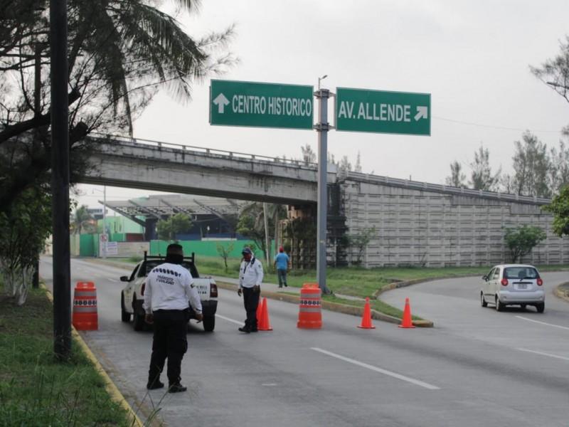 Un día después, cierran vialidades en la ciudad de Veracruz