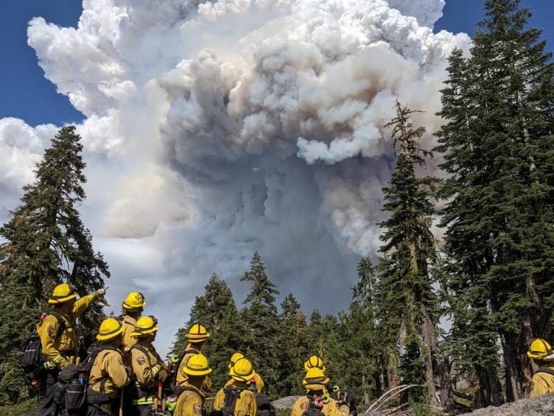 Incendio arrasó con un pueblo del norte de California