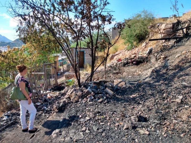Un incendio los deja sin vivienda, piden ayuda