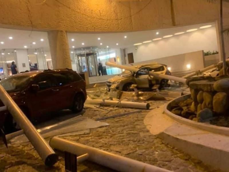 Un muerto, daños estructurales y derrumbes tras sismo en Guerrero