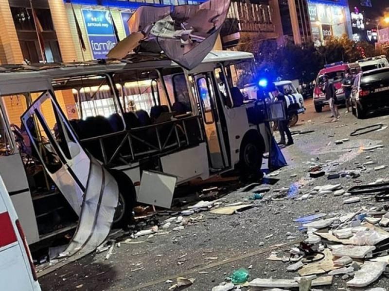 Un muerto y 18 heridos tras explotar autobús en Vorónezh