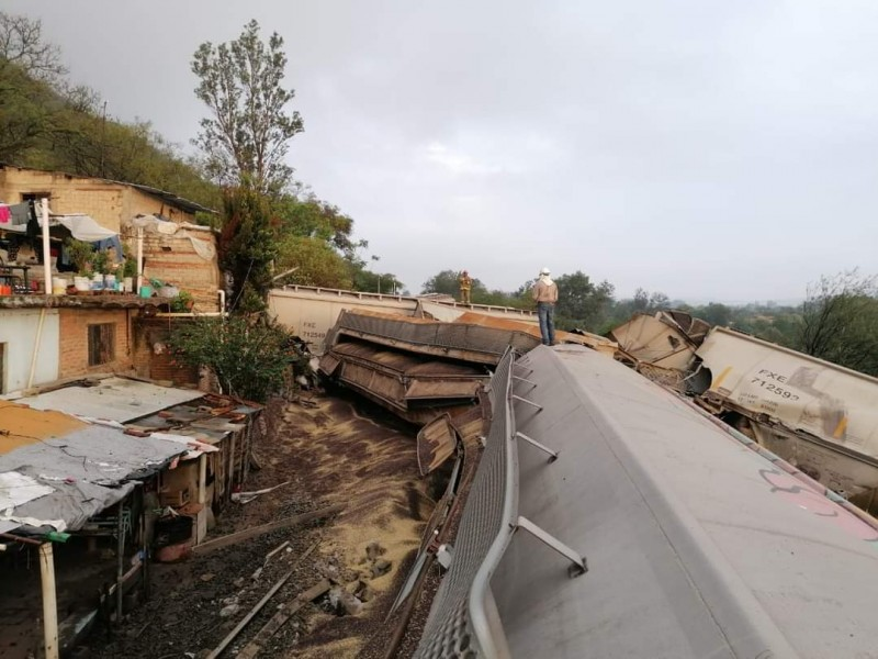 Un muerto y tres lesionados por descarrilamiento de ferrocarril