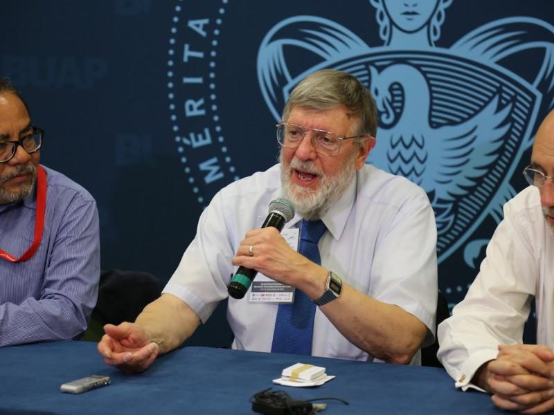 Un Premio Nobel de Física visitó Puebla