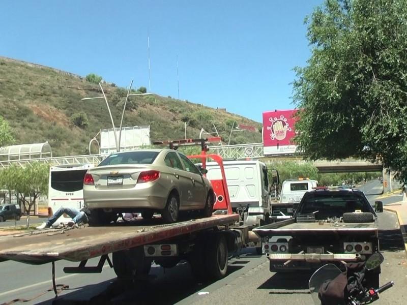 325 autos han sido retenidos por Hoy no Circula