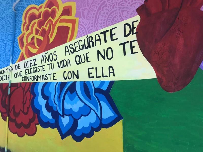 Una escuela revive los tradicionales murales