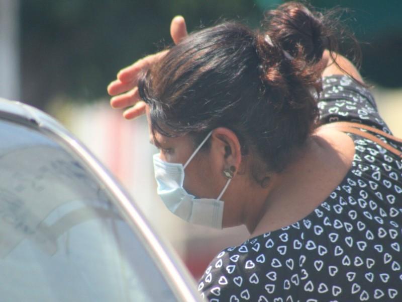 Una mujer falleció y tres dieron positivo al virus Sars-Cov-2