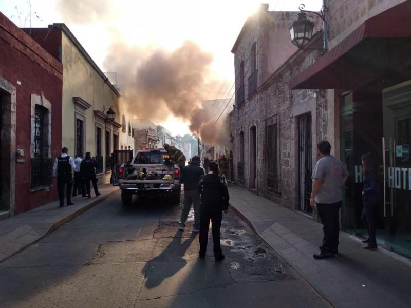 Unidades de emergencia atienden incendio en colonia Centro