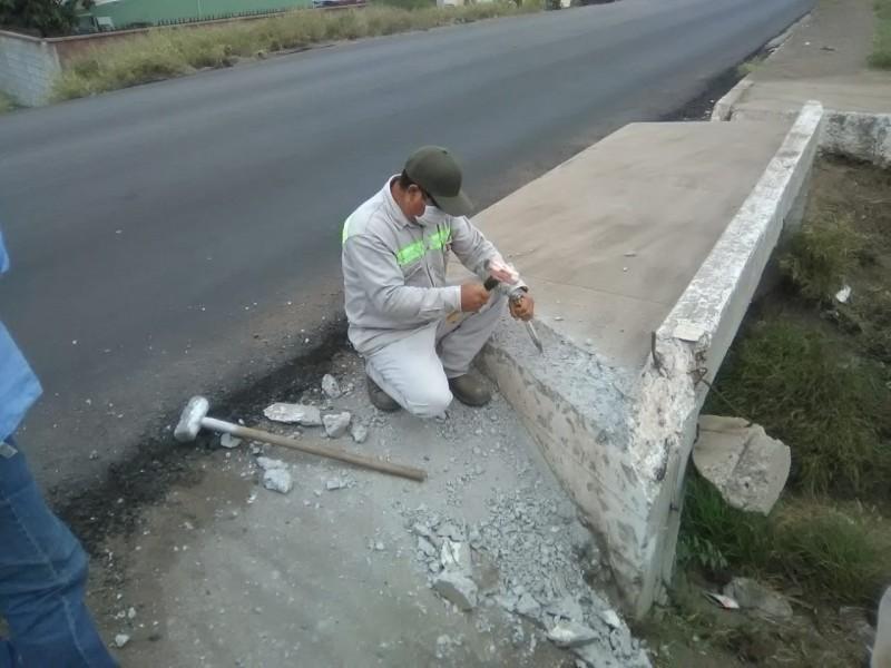Unirán banqueta a puente pluvial en calle Germán Uribe Fourcade