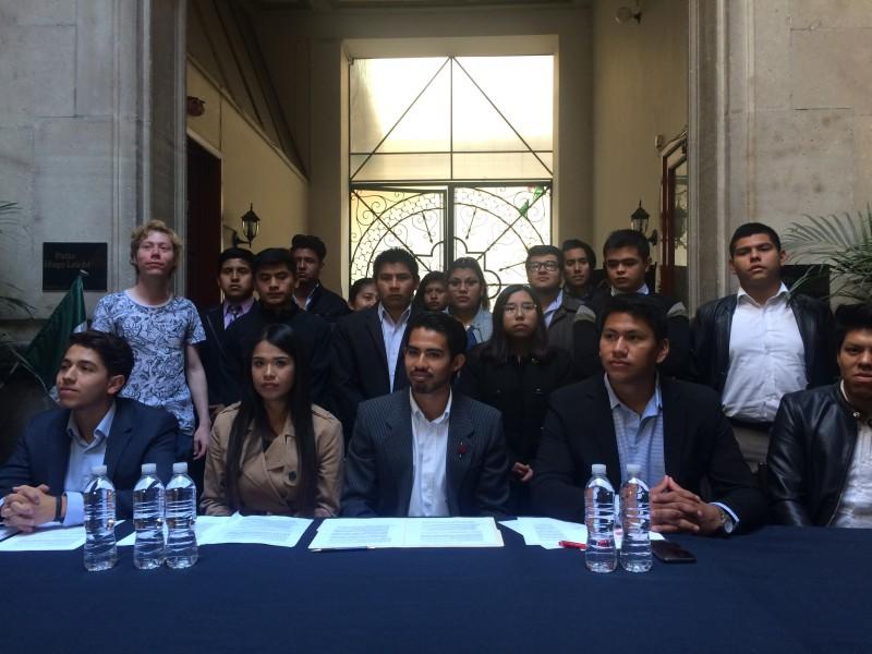Universitarios a favor de Alejandro Armenta