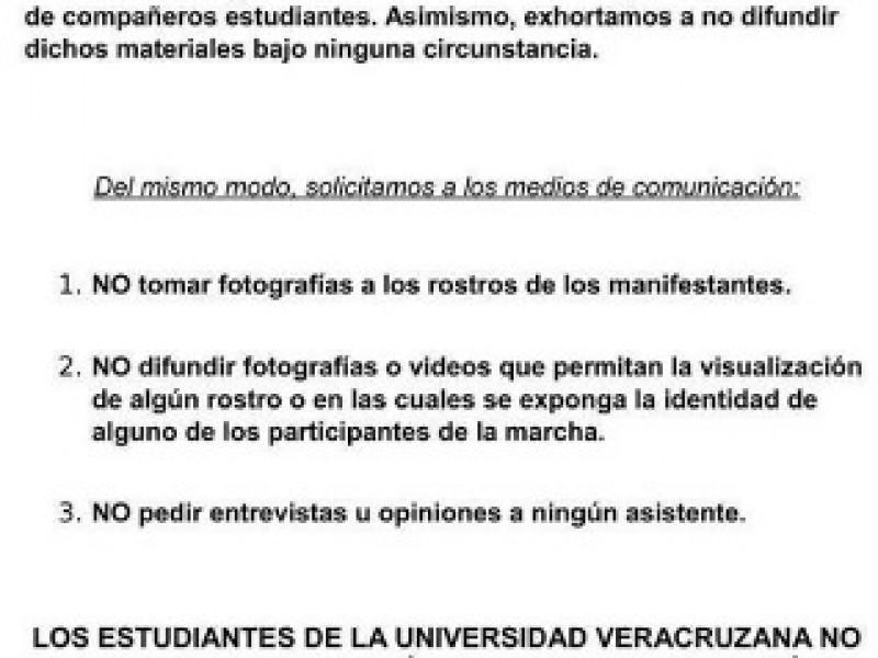 Universitarios piden no ser grabados en marchas