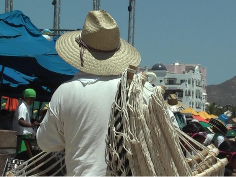 Urge ordenamiento en playa El Médano:Colonos del Médano