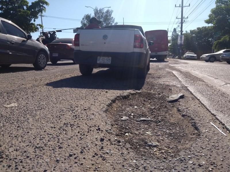 Urge que municipio atienda problemática de baches: CMIC