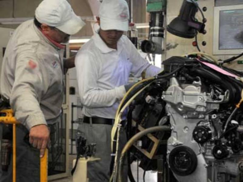 Urge una política industrial para impulsar desarrollo económico