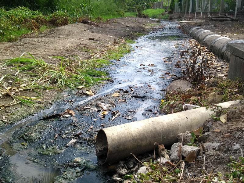 Urgen desazolve de zanjas en Tampamachoco