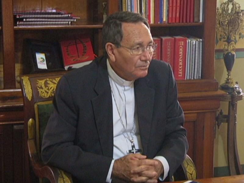 Urgen soluciones de fondo en materia económica: obispo