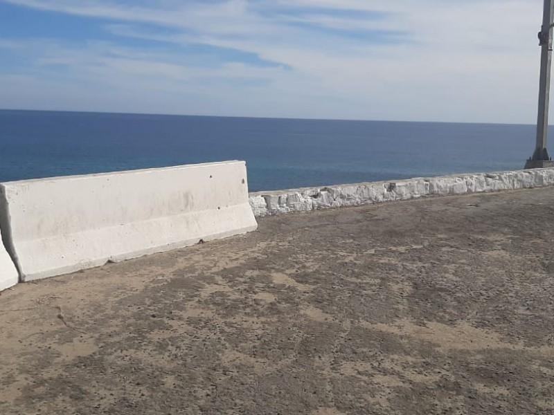 Urgente muro de contención en  mirador de costa azul