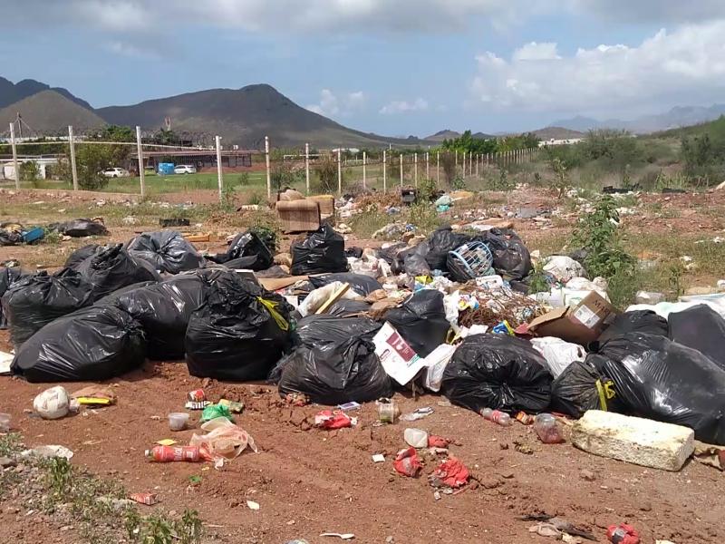 Usan de basurero terrenos del Cobach