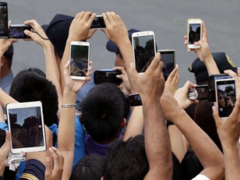 Uso de teléfonos móviles aumenta riesgo de miopía