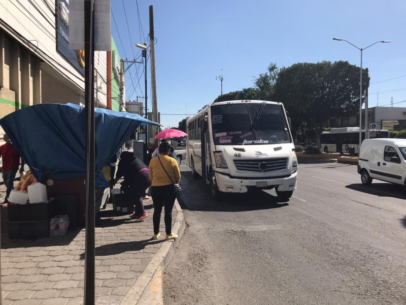 Usuarios del transporte denuncian falta de medidas sanitarias en camiones