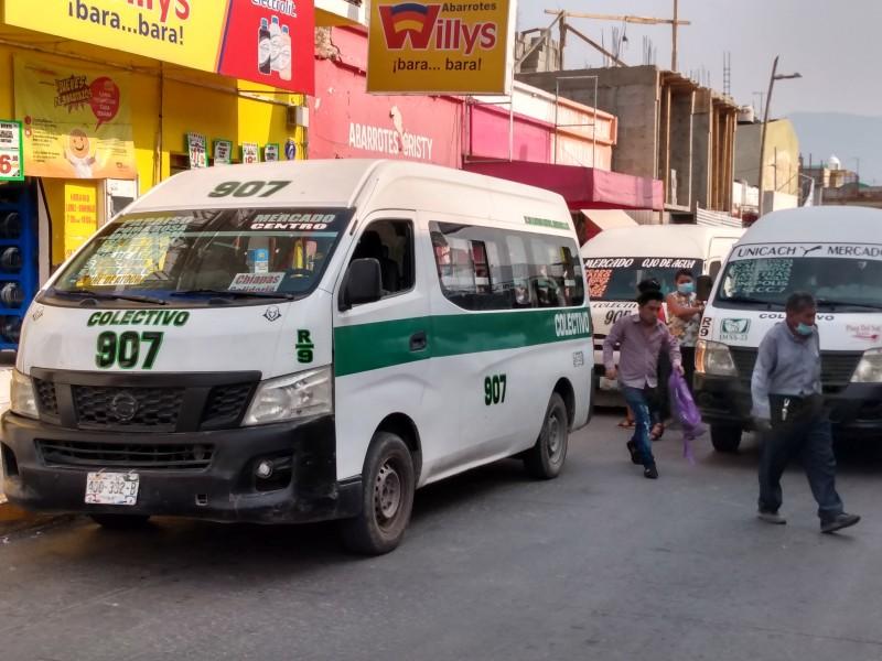 Usuarios y operadores del transporte bajan la guardia ante COVID
