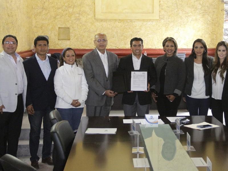 UTC y Corregidora forman convenio